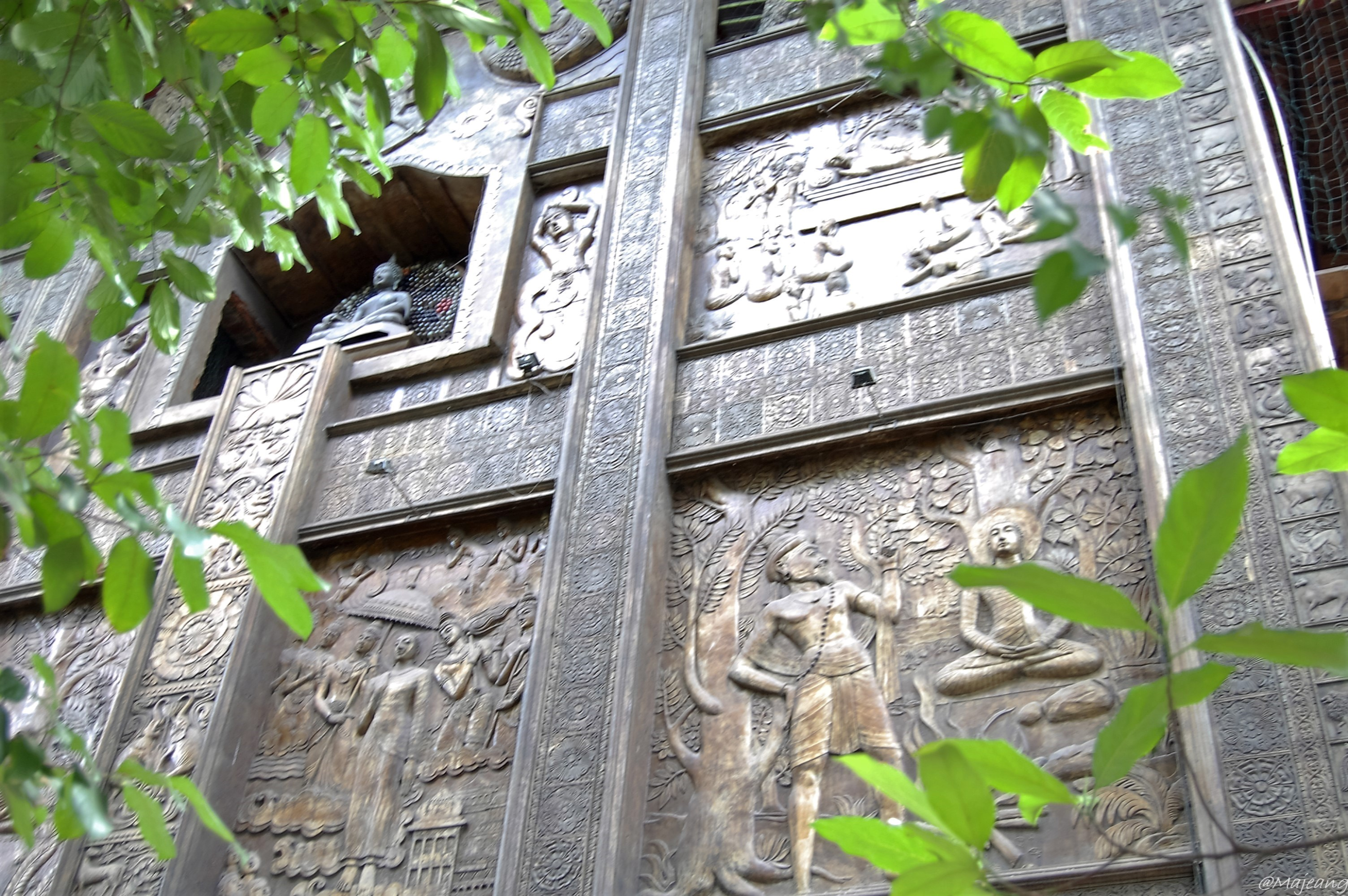 Gangaramaya temple, wall carvings