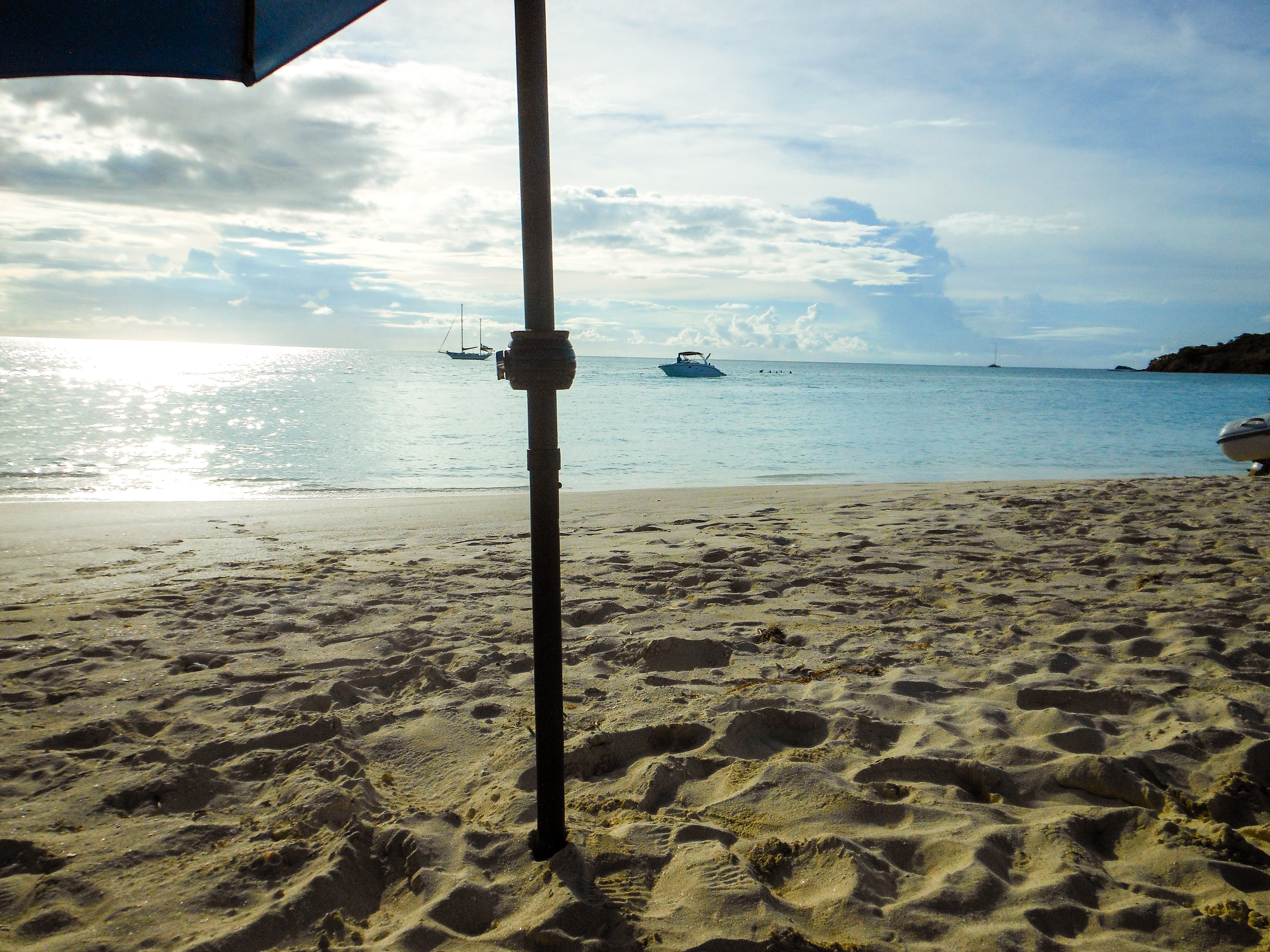 bucket list beaches you've got to see - Antigua www.majeang.com